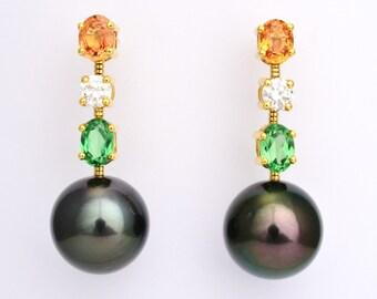 Earrings • Sapphire • diamond • Tsavorite • Tahiti Pearl • Gold • swinging