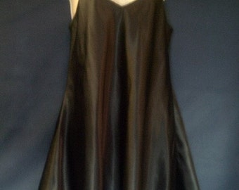 Vintage Nightgown in Basic Black