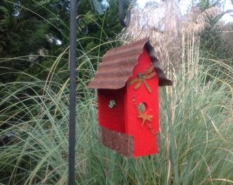 APPLE RED Primitive Lunchbox Bird Feeder