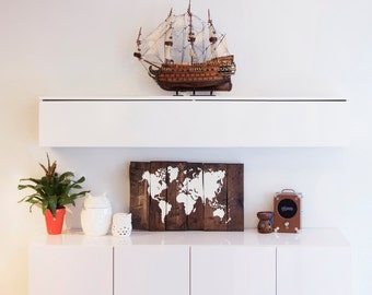 World Map Wood - Reclaimed Pallet Boards - (70x40cm) - (27x15in)