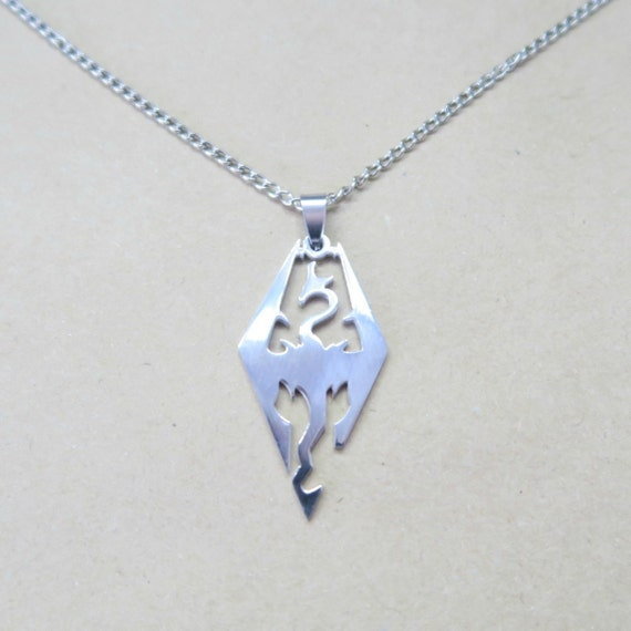 skyrim pendant necklace
