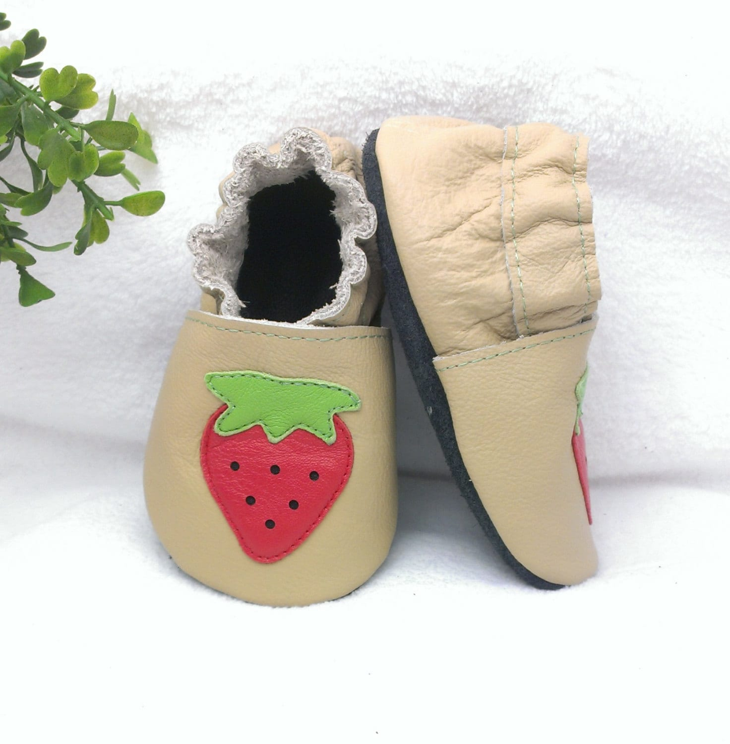 strawberry soft sole leather baby shoes leather baby shoes