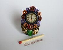 Dollhouses Hand-painted Clock , Reloj pintado a mano para casa de muñecas
