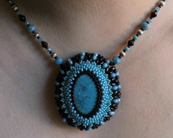 beaded embrodery necklace