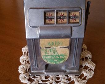 Vintage 1950's .10 Toy Slot Machine