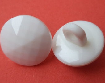 10 small white buttons 11mm (273) button