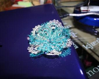 Bobbin lace brooch