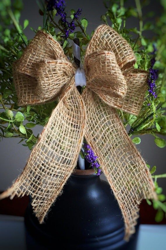 Burlap Bow Stick/Set of 10/Planter Stick/Wreath Accent/Burlap & White Party/Country Decoration/Centerpiece Stick/Rustic Chic/Bow on Stick