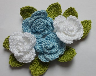 crochet rose with leaves