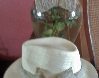 Steppin-Out. White Lace Jute Bowtie and Hat set