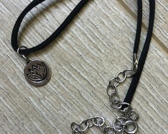 Circle lotus pendant