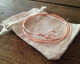 Heart shaped wire bracelet