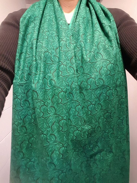 Dining Scarf Adult Bib Beautiful Emerald Green Leafy Print
