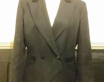 Fabulous vintage jacket with velvet collar