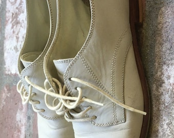 Bass Oxfords 7.5 White Leather Vintage
