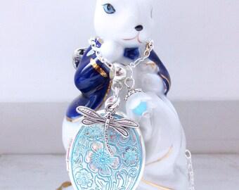 Floral necklace, light blue flowers locket pendant, vintage photo locket, vintage necklace, blue necklace, vintage locket necklace best gift