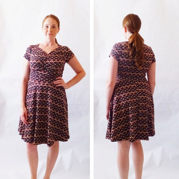 SALE Size SMALL Womens Dress Brown print dress short sleeve Sweetheart Crossover stretch Cotton Fit and flare nursing dress Ready to Ship