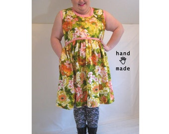 Scooper Dress -- spring floral -- plus size, size 26 / size 28, 4X -- fit & flare, flirty, pocket -- 55B-50W-100H