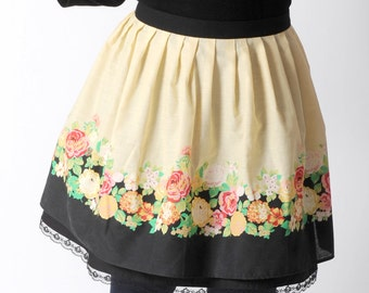Floral pleated skirt, short yellow and black skirt in vintage floral cotton, with black underskirt