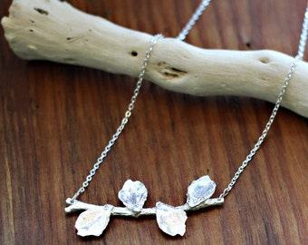 BLOOMING LEAF NECKLACE