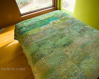 Modern Quilt Green Ombre Art Quilt Handmade King Queen Double Twin Size Contemporary Quilts Green Quilt Fiber Art Quilt Custom Bedding Quilt