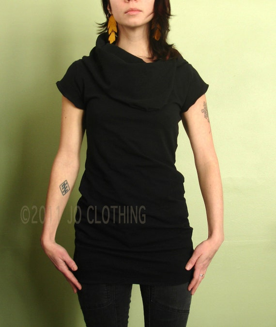 short sleeved cowl tunic top in BLACK