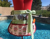 Kissing Birds Sassy Vendor Apron, Half Apron with 6 pockets, Great for Sewing, Utility, Crafts, Arts, Farmers Market, Teachers