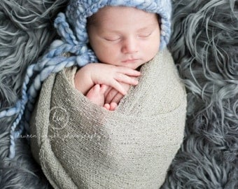 chunky thick and thin knit newborn bonnet