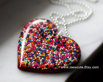 Big Resin Heart Japanese Harajuku Street Fashion Giant Candy Sprinkles Heart Necklace, Really Big Bling, Rainbow Sprinkles Necklace isewcute
