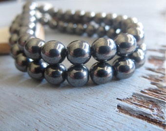 Small  grey Czech beads, 6mm round druk czech glass beads, small spacer, gunmetal hematite  tone 6mm / 25  beads  6AZ007