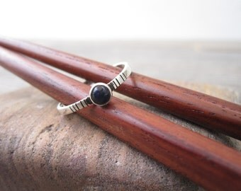 Minimalist silver ring with midnight blue sodalite stone -  size 7 1/2