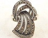 Size 8.75 Vintage Sterling and Marcasite Judith Jack Art Deco Ribbon Ring