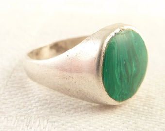 SALE --- Size 7 Vintage Sterling Round Malachite Inlay Ring