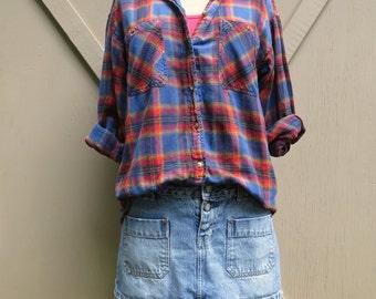 80s/90s vintage Grunge Plaid Cotton Flannel Shirt / La Femme