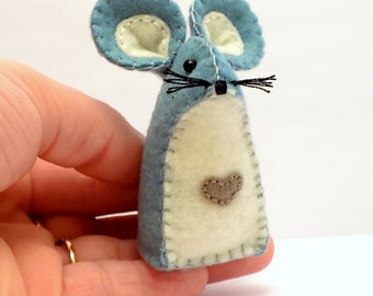 Felt Mouse Shelf Sitter