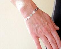 Silver Disc Bracelet, Circles Bracelet, Sterling Silver Link Bracelet, Minimalist Jewelry, Contemporary Jewelry, Metalwork Bracelet
