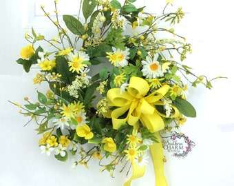 Spring Daisy Wreath in Yellow and White with Berries and Bow, Natural Spring Decor, Spring Wreaths, Yellow Door Wreath