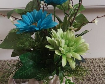 Small Owl Floral Arrangement in Assorted Colors