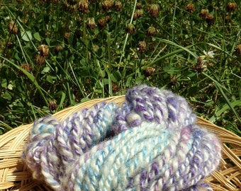 Hand Spun Romney Wool Yarn 38 yards 6-8 wpi Purple Blue and Ivory
