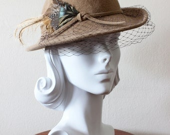 1980s Vintage Hat / Betmar Hat / Tan Wool Veiled Brim Hat with Feather