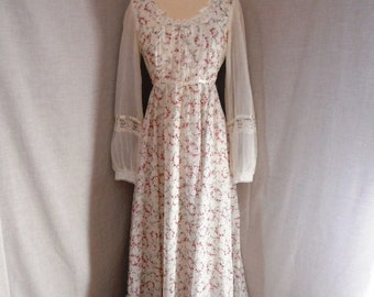 1970's vintage Gunne Sax by Jessica floral print dress. Tag size 11, current size 4. Boho. Hippie. Festival. Sheer sleeves. Petticoat.