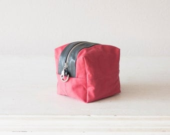 Makeup bag in pink and grey, cosmetic storage case accessory bag utility case - Cube
