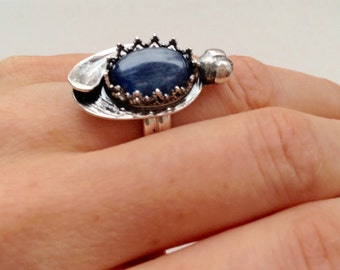 Insect ring, sterling silver with blue kyanite. Bug ring with blue gemstone, size customizable
