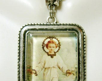 Child Jesus pendant and chain - AP05-161