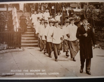 Vintage London Postcard - 1922 - Fountain Court - Temple - Ascension Day May 25, 1922 - never posted