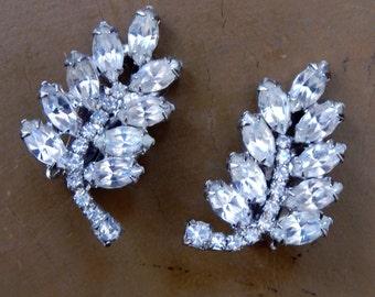 1950s WEISS Earrings Signed Midcentury Old Hollywood Glam 38 Brilliant Prong Set Swarovski Navette & Round Rhinestones Elegant Leaf Design