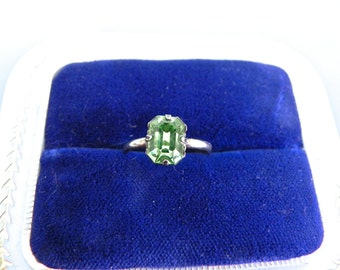 Vintage Sterling Ring 30s Peridot Green Stone Solitaire Ring