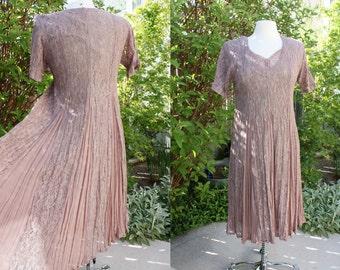 1990's Taupe Lace Dress Small Medium Short Sleeve Vintage REtro 90s Romantic Tea Brdial Wedding Hipster Victorian Mauve
