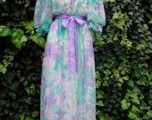 ON SALE Vintage Goddess / Boudoir / Puff Sleeve / Floral / Peignoir Robe / SMALL