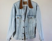 SALE - Vintage Distressed Faded Blue Denim Trucker Jacket With Suede Leather Collar - Mens Size Small